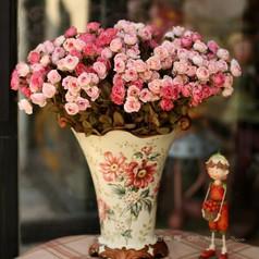 创意家居-粉红色小玫瑰仿真花。充满浪漫情调