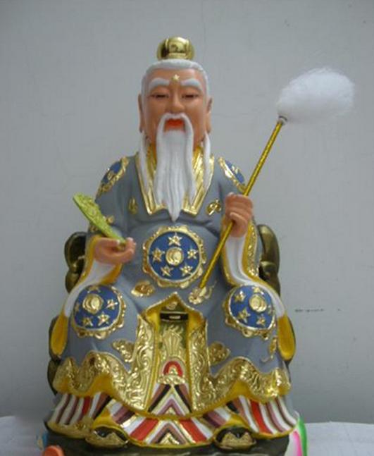 现今人们对他的认识就是一位白发苍苍,表情慈祥的老人,他忠厚善良