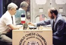 1992年斯帕斯基(左)与菲舍尔比赛