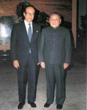 1990年1月邓小平在北京会见李嘉诚先生一行