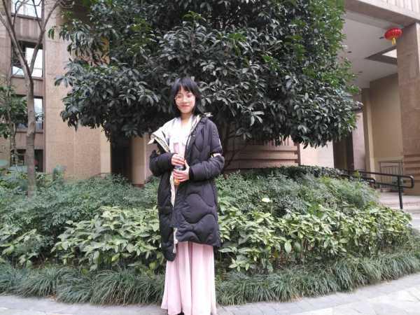 唐宇佳,女,00后,2004年9月10日出生于福建福州,重庆南开(融侨)中学图片