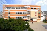 学校有学生宿舍6幢,建筑面积6750平方米,宿舍总床位780张,寄宿生生均图片
