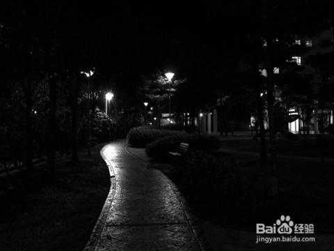 女生独自走夜路的安全提示