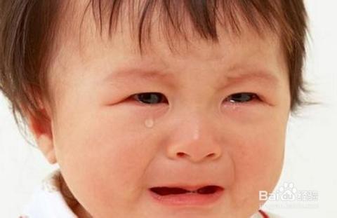 宝宝受委曲时的表情,只有哭了.如图图片