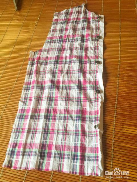 8/16  然后用剪下来的多的布料,剪成下图的两个衣服口袋样式.图片
