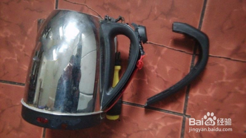 电热水壶盖子盖不上怎么修理图片