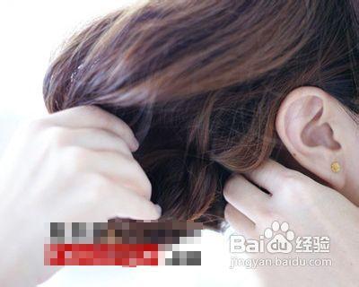 你想拥有一款闲适好看的波西米亚风格编发发型吗?图片