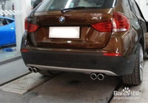 宝马X1汽车改装 四出排气管高清图片