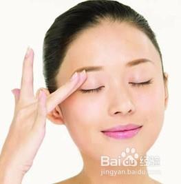 空调房熬夜致重度干眼症 缓解干眼症的方法