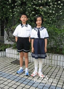 小学生白丝袜校服被吻