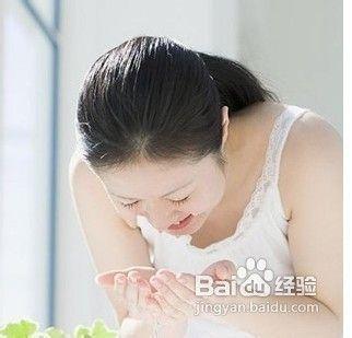 教美女们秋季如何保养皮肤