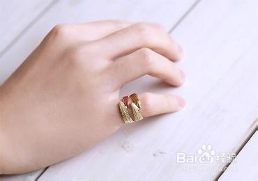 订婚戒指戴哪个手