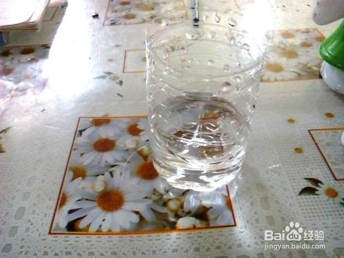 教你用矿泉水瓶制作自动浇水小盆栽图片