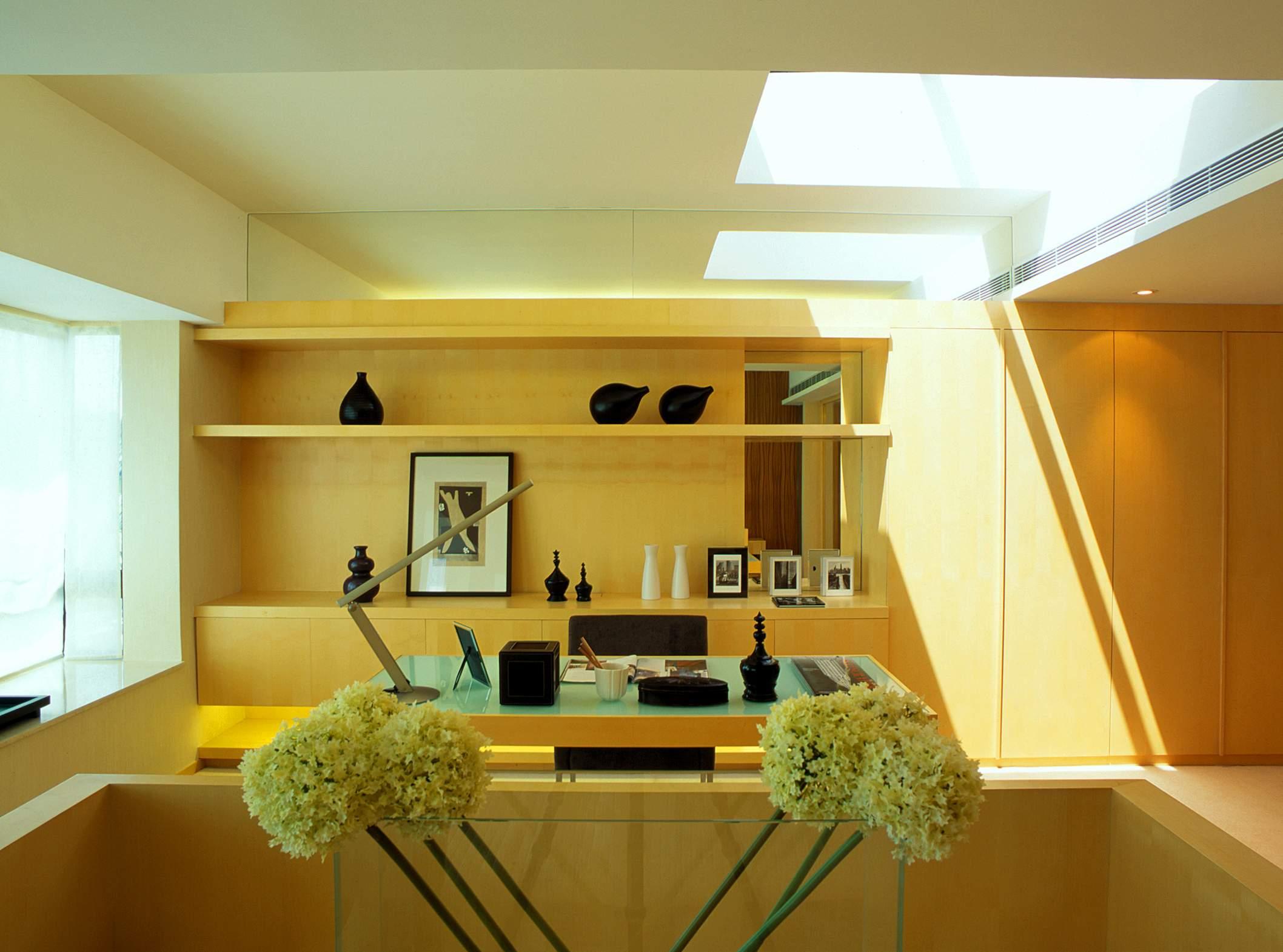 2013现代风格样板房最新书房书柜书架椅子书桌家具装修效果高清图片