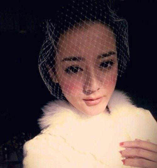 自古新出美女!迪丽热巴未成名前旧照曝光与古力娜扎谁更美?