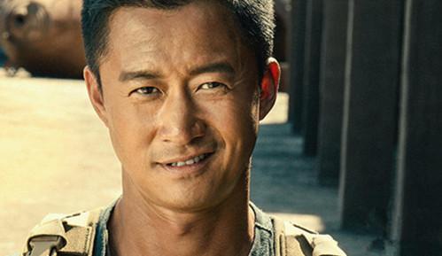 广式妹纸798期《战狼2》吴京用一部电影告诉我们什么是正能量