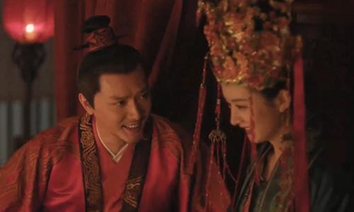 《小度星趣闻》第1期:赵丽颖竟然演过冯绍峰的丈母娘