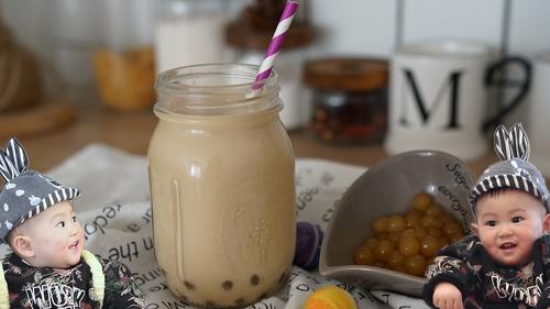【自制焦糖珍珠奶茶】丝滑浓郁,珍珠Q弹入味,好喝到哭!