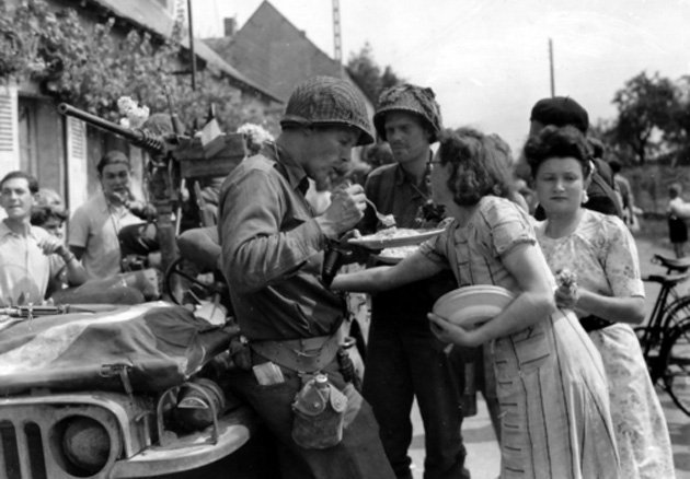 二战后的德国女人 二战后的德国 二战后德国的崛起 二战苏联对德国女人