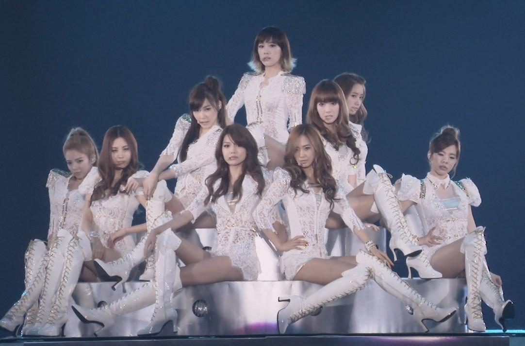 少女时代日本演唱会 请问此图从左至右分别是谁呢?