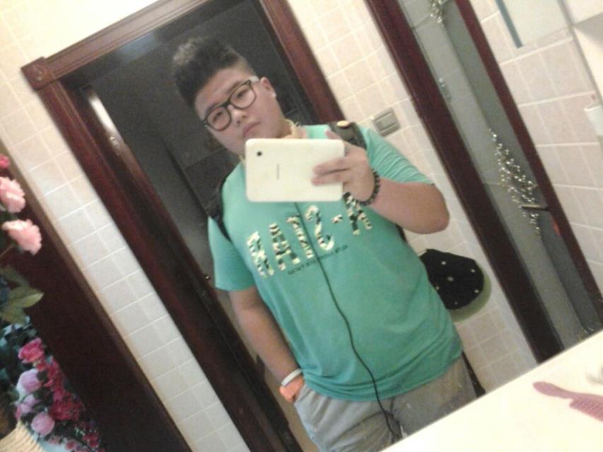 15岁,180斤小胖子,想换个发型,什么样子的好?图片