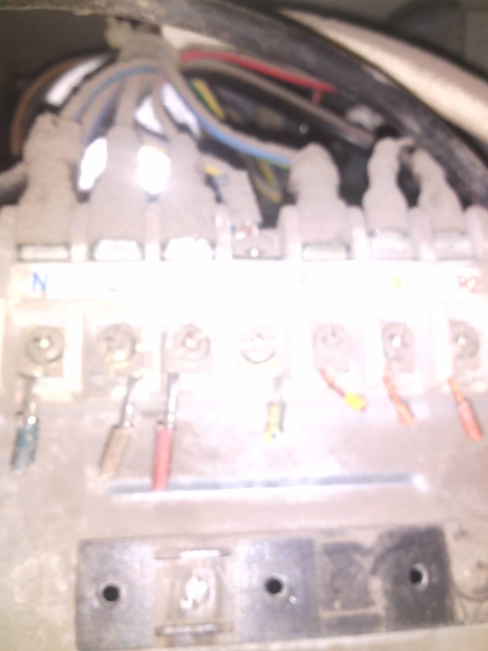 评论|  2014-05-05 22:19 联创家电9|四级 压机,风扇,四通阀,地线.图片