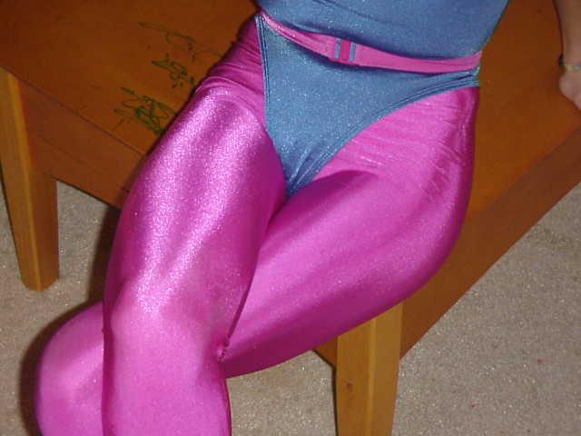 健美裤吧_广州哪有卖健美裤的(也叫踩脚裤)