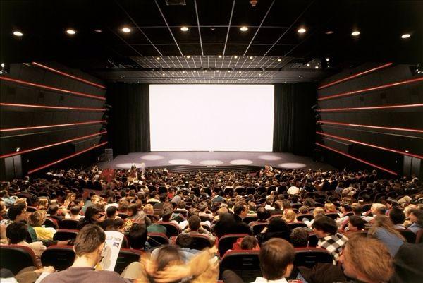 还记得你第一次在电影院看电影的感觉吗?