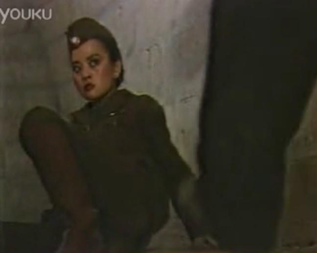 请问这是哪个电影 这个美女特务大战这个男特种兵