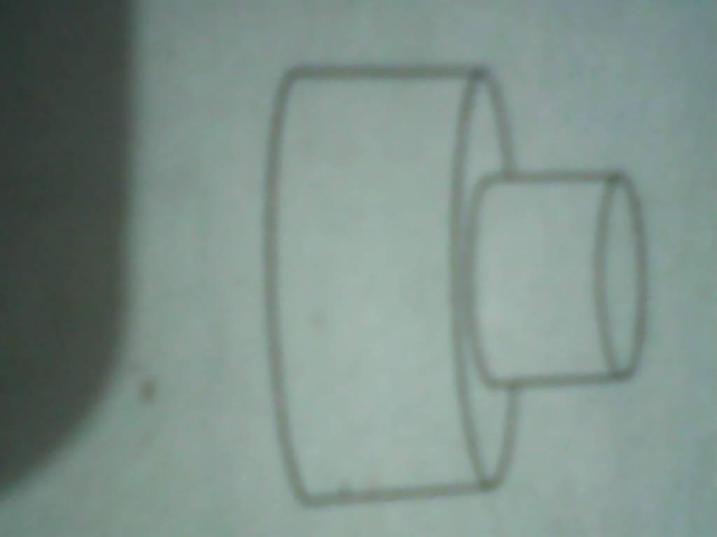 大圆柱的底面直径是20厘米,小圆柱的底面直径是10厘米 这个立体图图片
