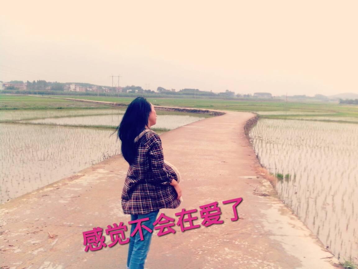 一个人孤独背影图片 女生背影头像 女生背影图片 下雨天一个人背影