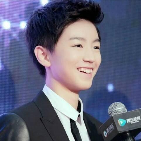大家觉得tf boys王俊凯的新发型是否没有了之前的稚嫩图片