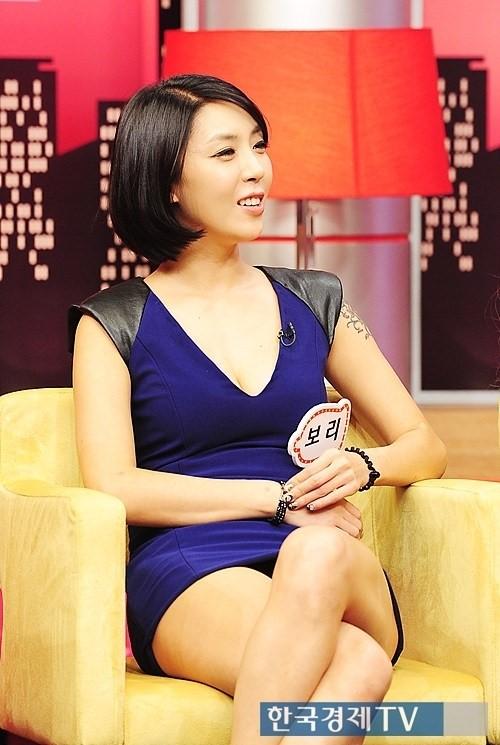 韩国女演员宝利 就是no more show 里面手臂有纹身的那个女的图片