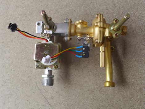 水气连动阀/热水器配件/通用铜水阀/水气连动总成; 樱雪 燃气  热水器图片