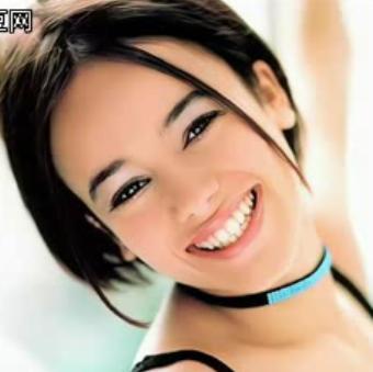 这位欧美女歌手名字叫什么