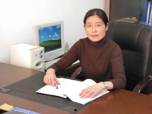 杨�9a�_杨红的研究论文