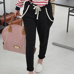 哈伦裤配什么上衣囹�a_黑色的哈伦裤配什么样的上衣和鞋子好看啊?