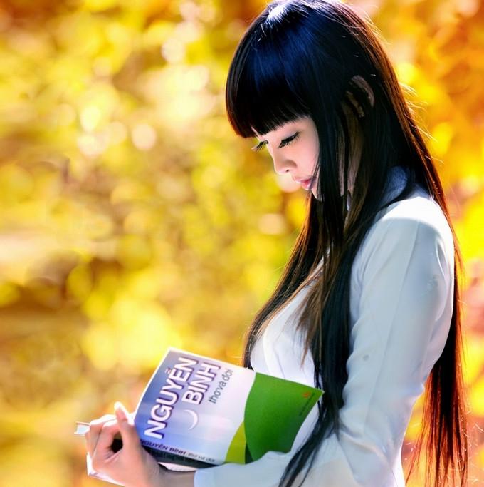 看书的女孩唯美读书的女人读书的女生看书唯美