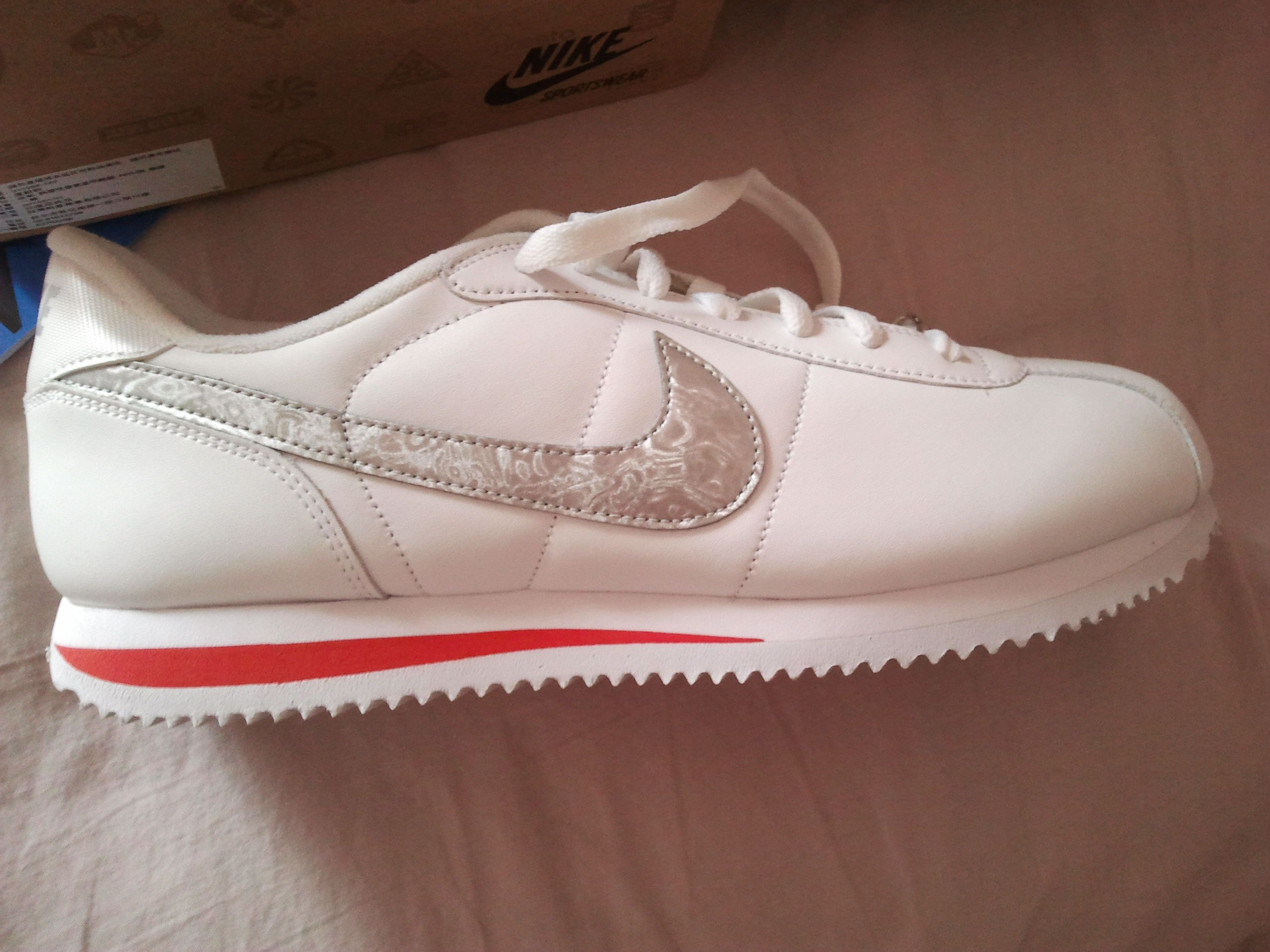 耐克阿甘鞋鉴定 新买的是老款高清图片
