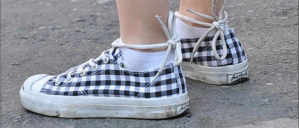 女生穿白色短袜; 白棉袜美女;