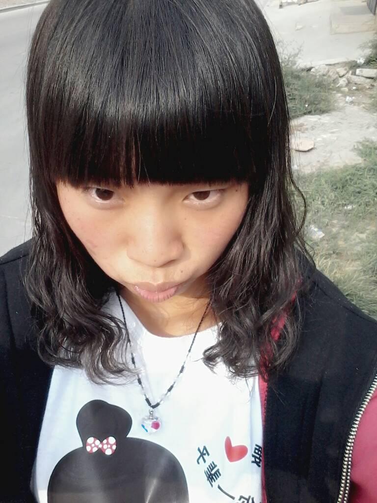 不要齐刘海,中分 追问 可是国字脸啊 回答 国字脸最不要齐刘海本来就图片