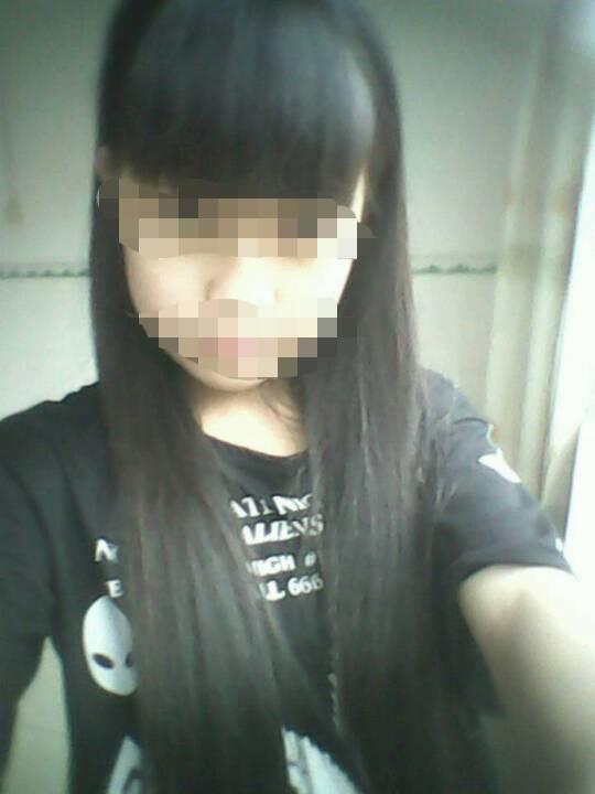 我15岁我长发及腰但不想剪头发搞什么样的发型脸圆圆