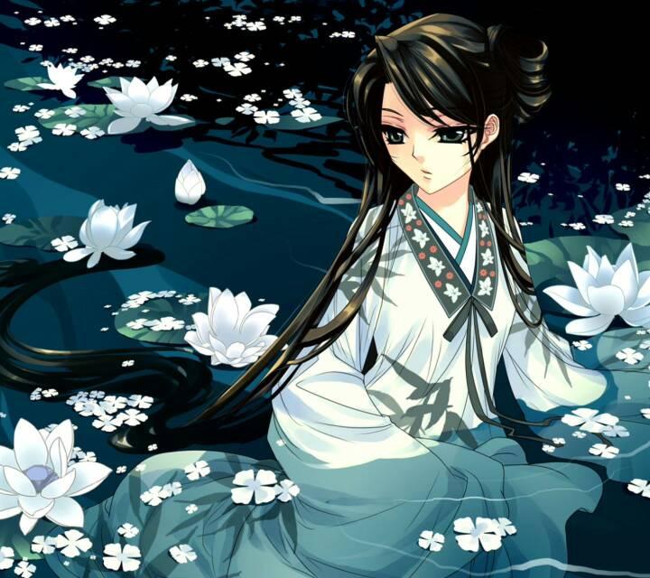 一张美女含花瓣的古风图片:齐刘海的