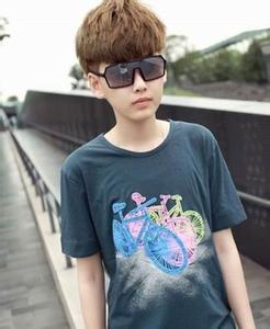 现在流行什么发型16岁男孩图片