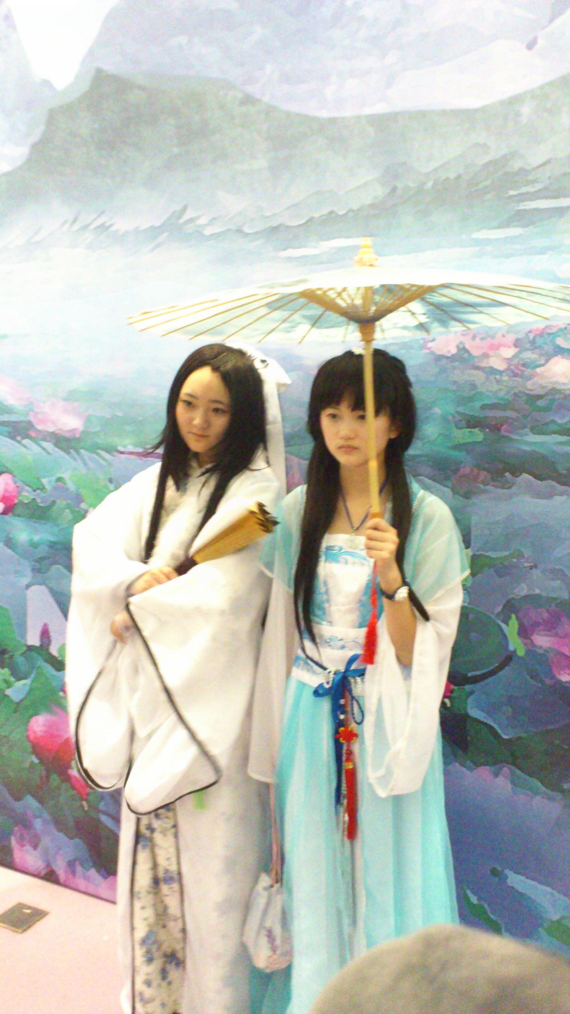 2013年杭州动漫节这个撑伞美女是哪部动画片里的角色