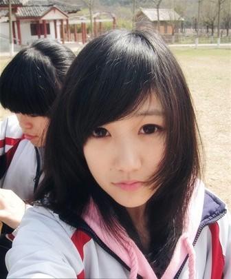 穿校服的女孩图片,动漫女孩校服图片,穿校服的帅哥图片图片