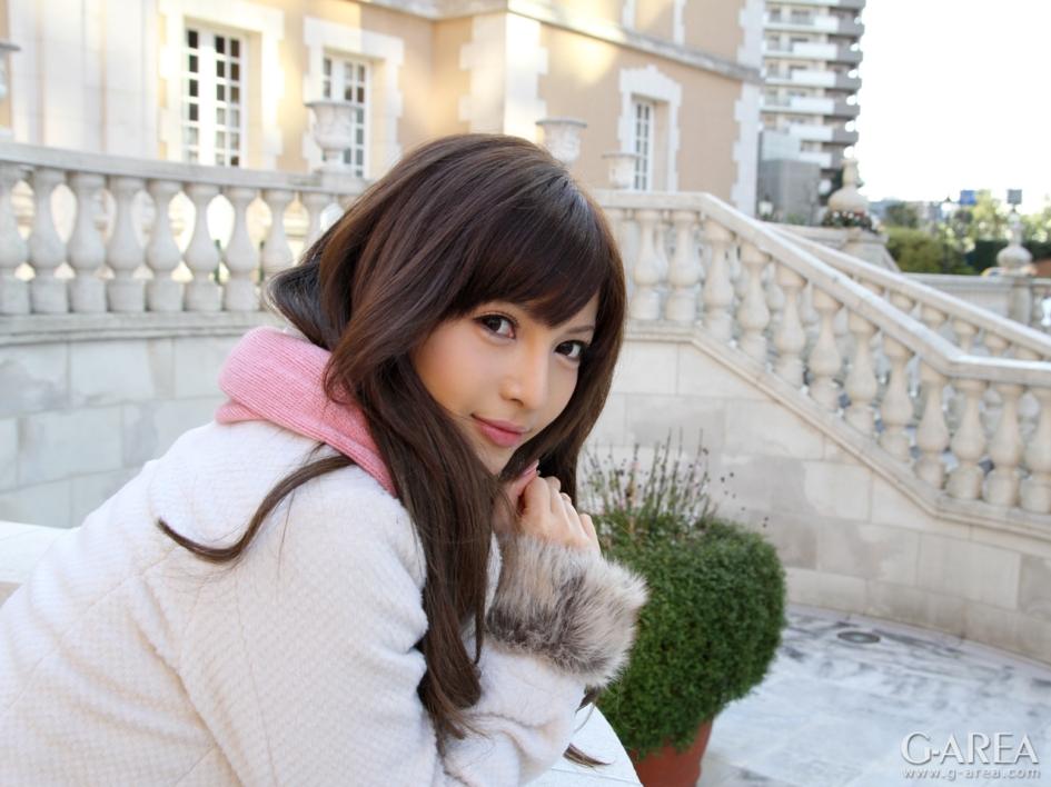 谁知道这个日本美女叫什么名字?