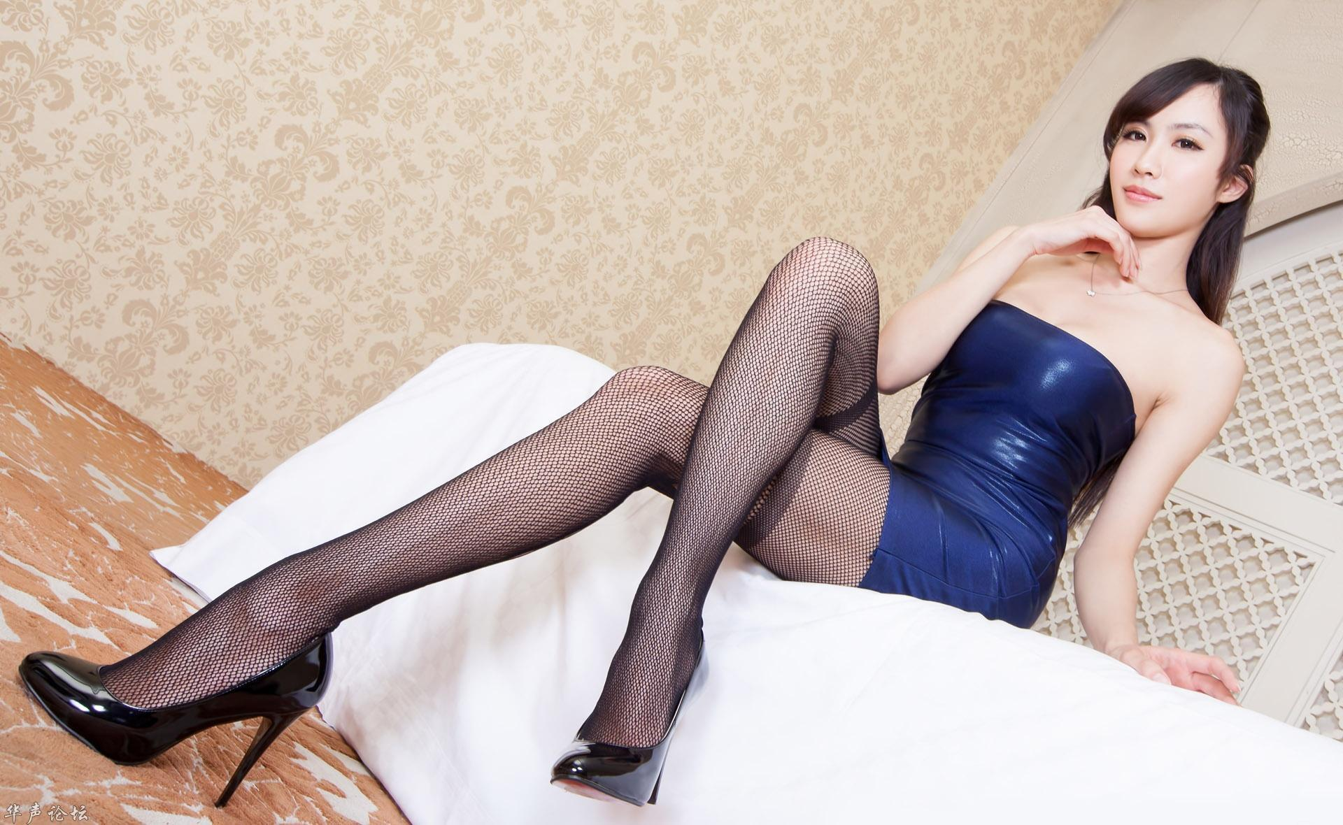 台湾美腿美女 这到底是谁!女神啊~!高悬赏