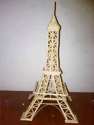 用一次性筷子竹签制作埃菲尔铁塔