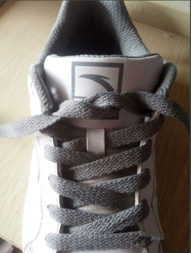 nike的篮球鞋鞋带专业蝴蝶结系法图片